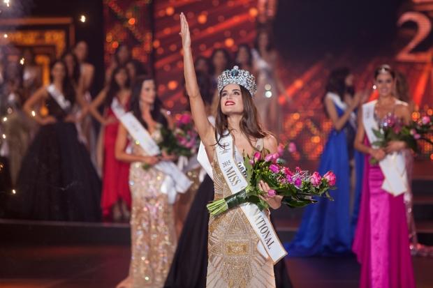 miss-supranational-2015-final-2